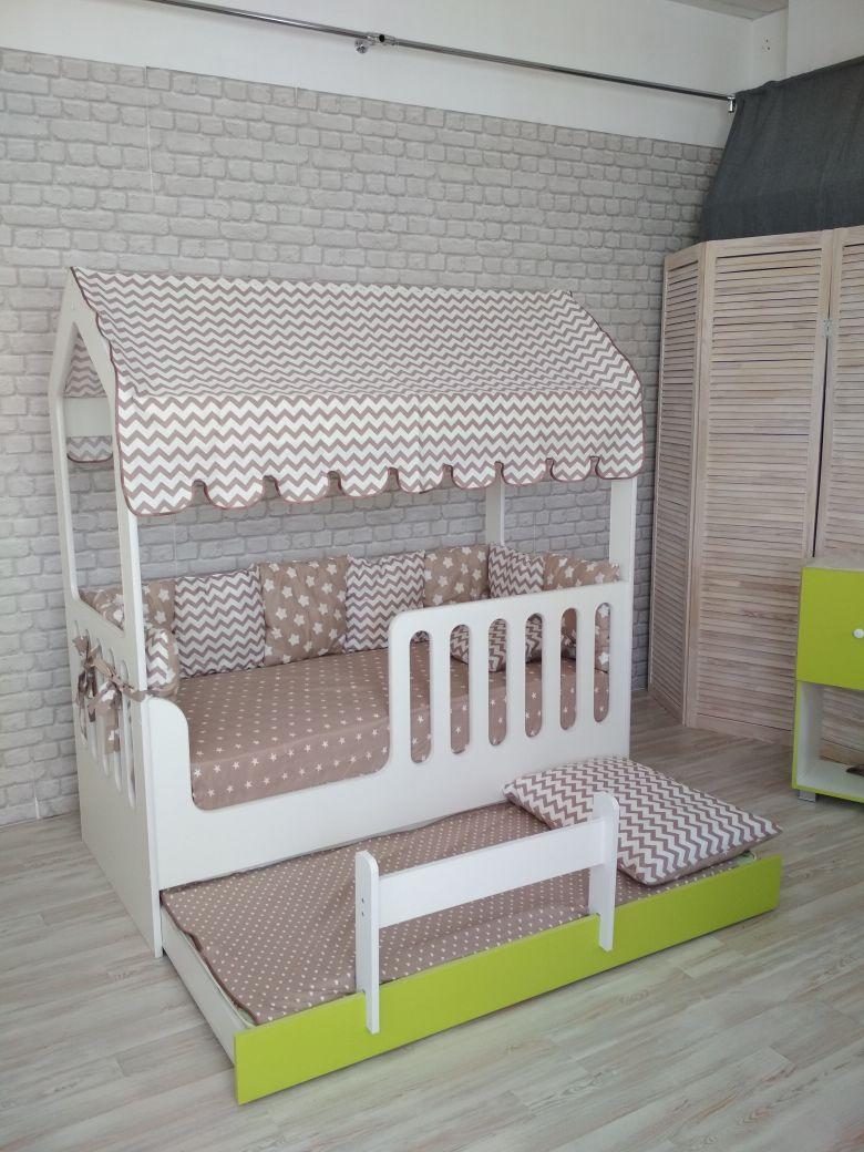 Кровать-домик из ЛДСП выдвиж.
